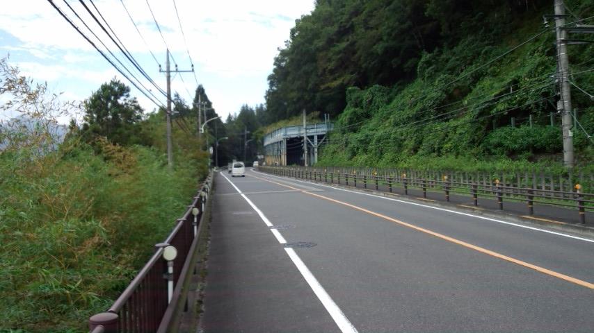 青梅街道 日向和田付近