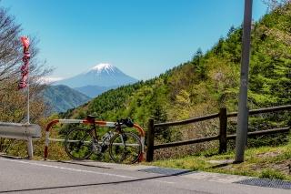 柳沢峠 ロードバイク 富士山