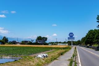 松本城へ 自転車